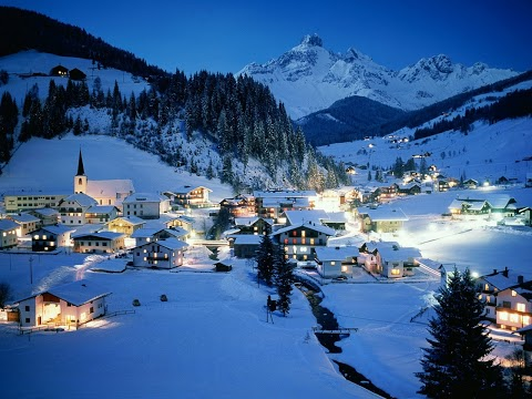43 austria-spa-winter-night-city[1]